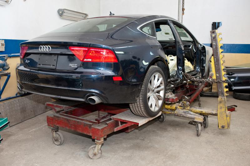 procedura zakupu samochodu, uszkodzenia blacharskie